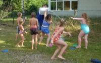Wasserschlacht mit Karsten.jpg